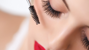 10 Mascaras Make Our Eyes Pop